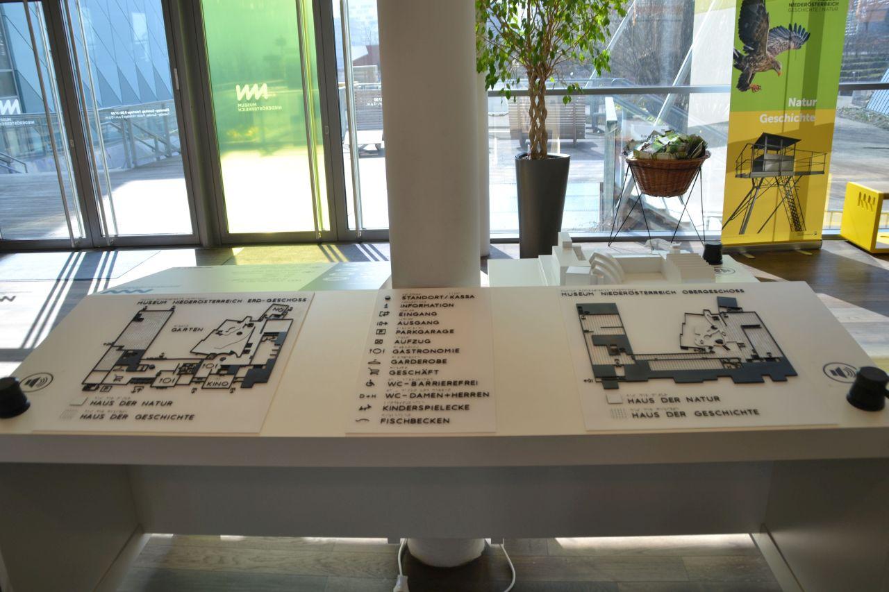 st. pölten, ausztria, természettudományi múzeum, aula, térkép