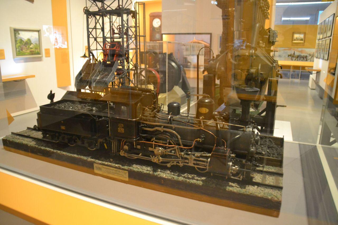 st. pölten, ausztria, természettudományi múzeum, gőzmozdony