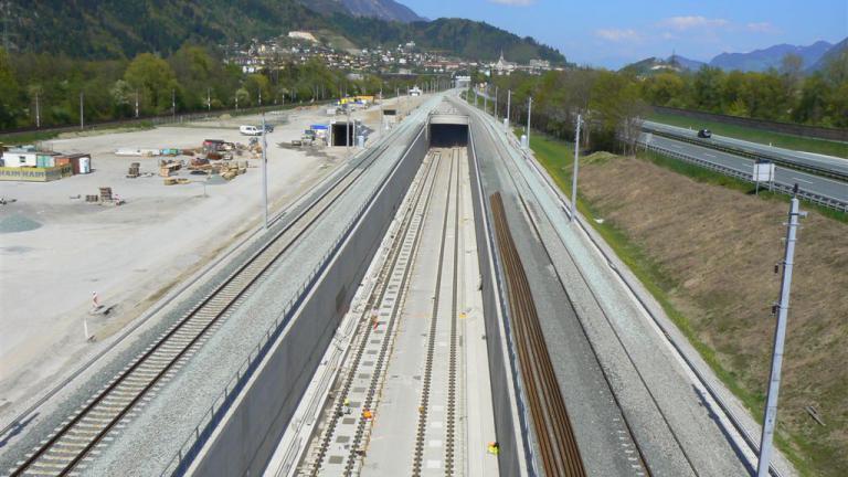 brenner_base_tunnel_2_1.jpg