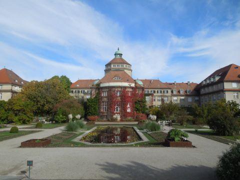 A Müncheni botanikuskert kívülről