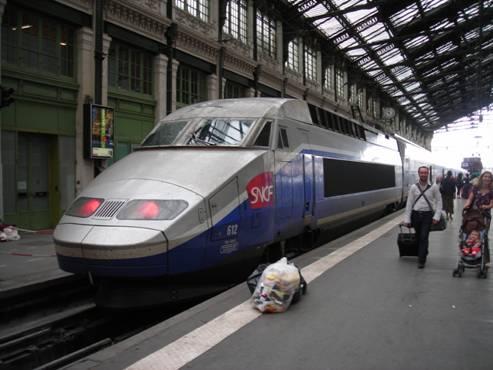 Paris Lyon pályaudvar, a vonatom másik fele.