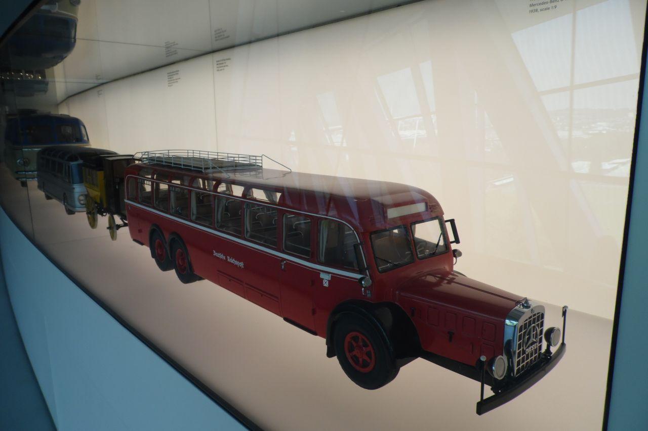 mercedes múzeum autóbusz