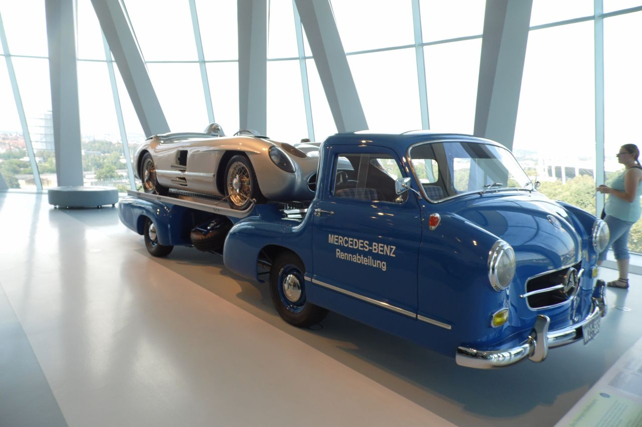 mercedes múzeum Mercedes-Benz 300 SLR versenyaut
