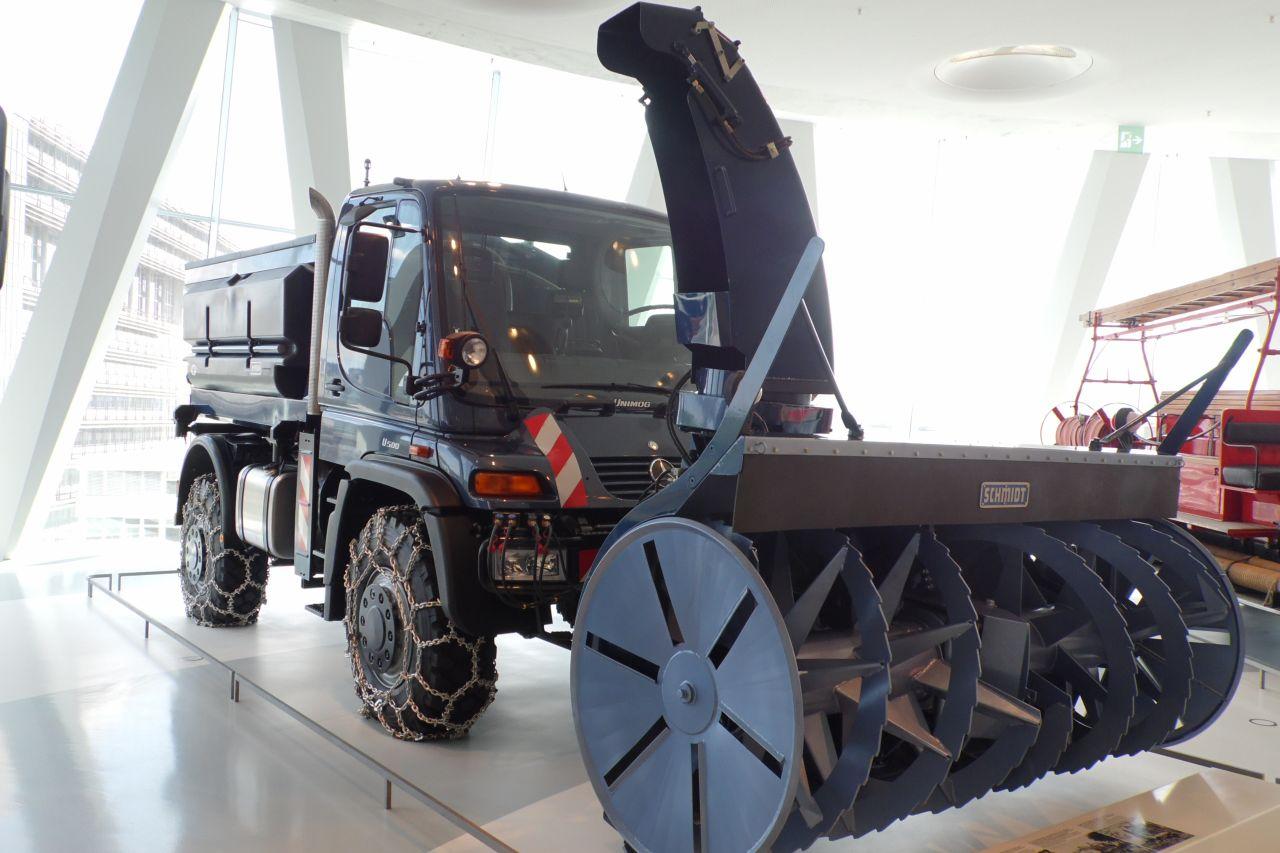 mercedes múzeum Unimog 500 hómaró