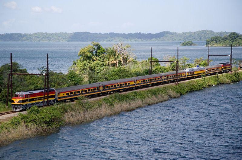 vasút panama dízelmozdony személykocsi