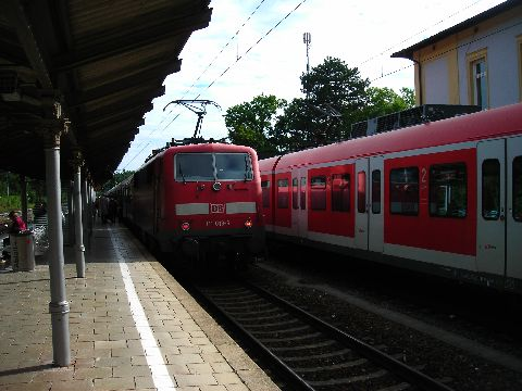 Tutzing, az S6 végállomása, kétóránként átszállási lehetőség regionalzugra Innsbruck felé