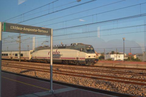 Eurosprinter Laldea-Amposta-Tortosa állomás nagysebességű Talgo vonat