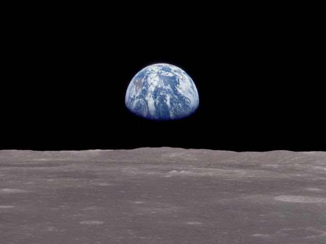 earth_rise1.jpg
