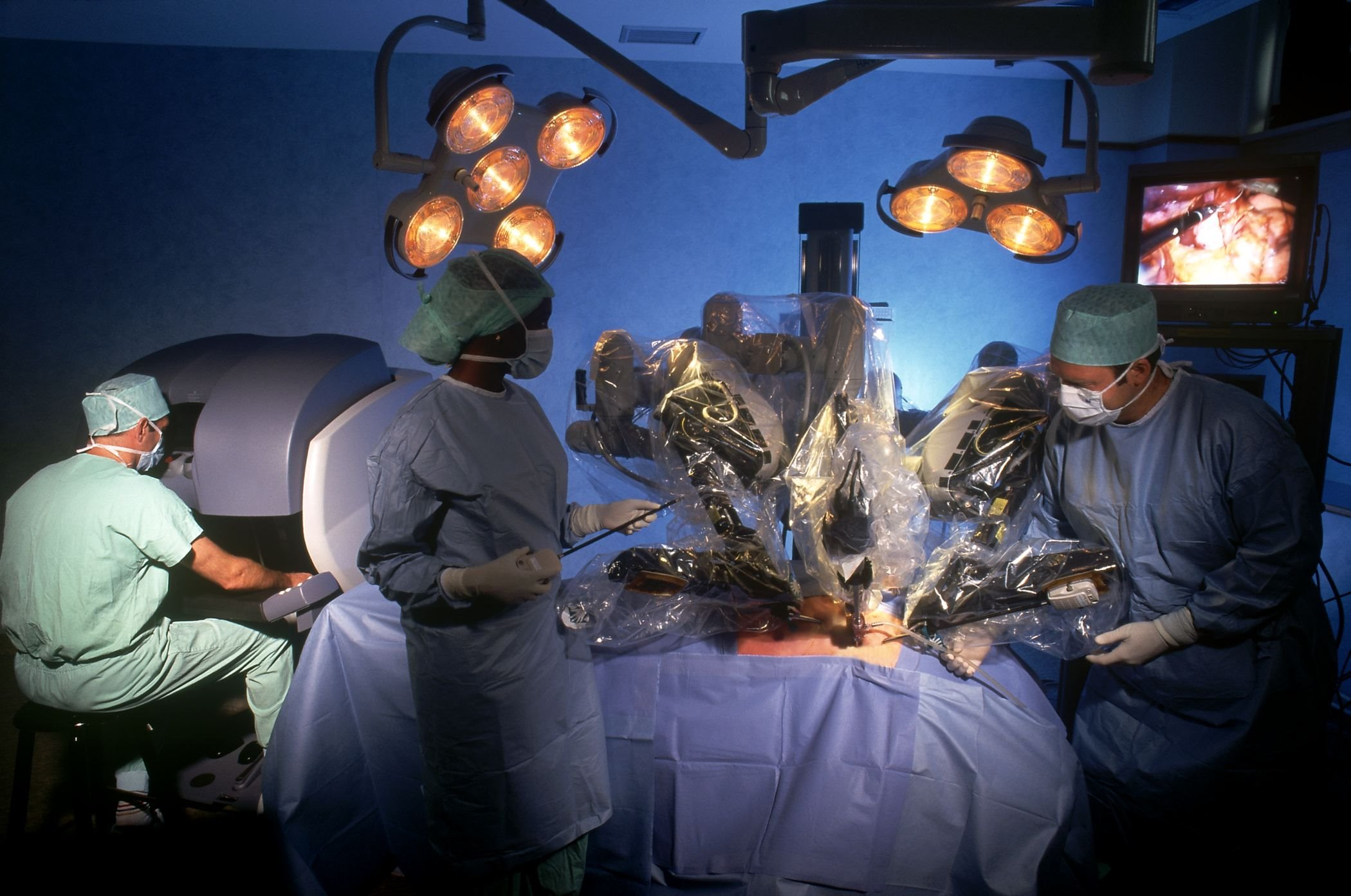 News-Da-Vinci-Surgical-Robot-3.jpg