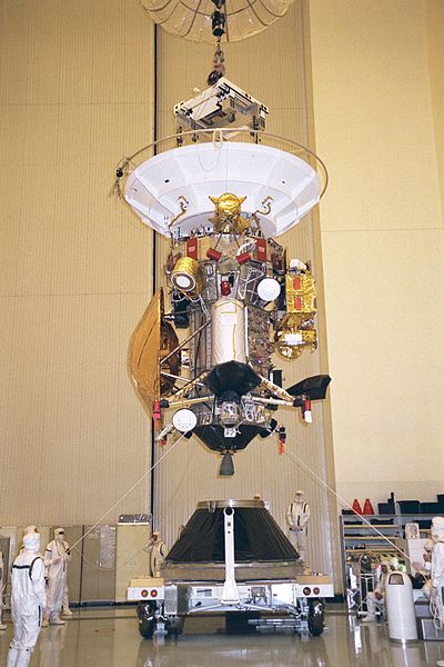 400px-Cassini-Huygens_is_installed_to_the_payload_adapter.jpg