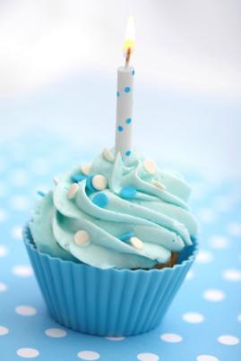 cupcake-birthday-cake.jpg