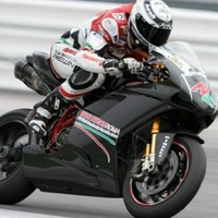 Canepa üli meg a Ducati Roma motorját