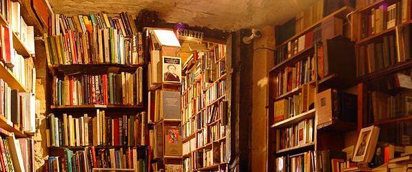 Shakespeare_and_Company_bookshop.jpg