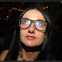 Ágnes (52) - énekesnő - Budapest