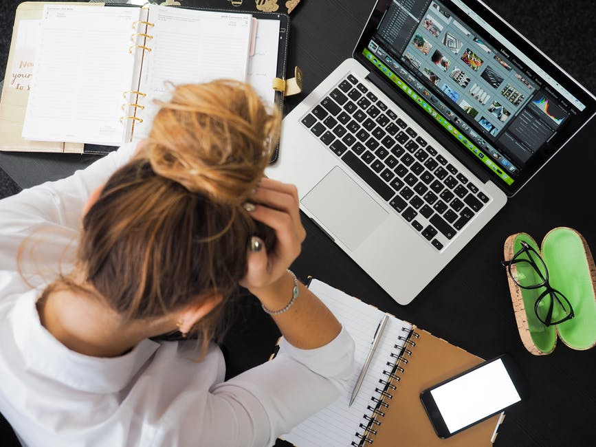 Munka, stressz, kockázatok | Cég & Brand