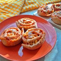 Gyors pizzás csiga a tökéletes piknikhez