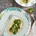 Vegán grill vacsora: sült brokkoli, currys hummus és szezámmag