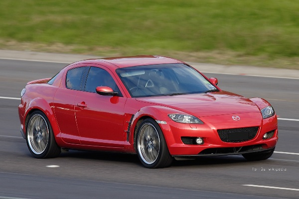 mazda_rx-8_on_freeway_masolata.jpg