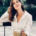 ☕️☕️☕️ Kávé, napsütés és egy stílusos névre szóló Rebecca nyaklánc.Mi kell még?Alkosd meg a saját neveddel a nyakéked