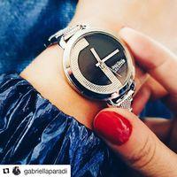 @gabriellaparadi  a Pumpkin Paradise bloggere beleszeretett ebbe a Jean Paul Gaultier órába. Jó választás. Te is megtalálod az igazit a Fashionwatch üzleteiben. #jeanpaulgaultierwatches #fashionwatchhungary #fashionwatch #trend2019 #style #budapest