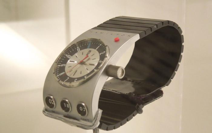 03_2001-space-odyssey-hamilton-watch-700x440.jpg