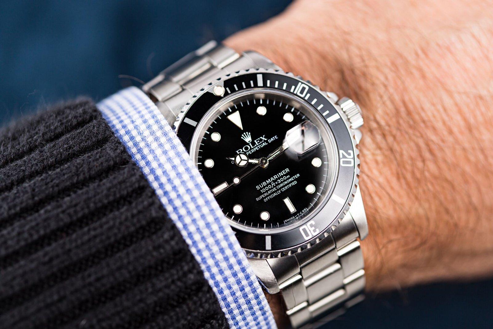rolex-submariner-wristshot.jpg