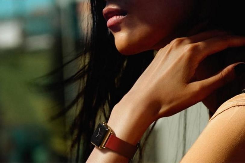 apple-watch-woman-120914_1.jpg