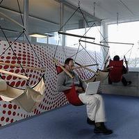 Gyárlátogatás a Google új svájci bázisán