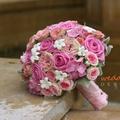 Pink-fehér menyasszonyi csokor