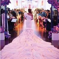 Így készül a lila menyasszony...