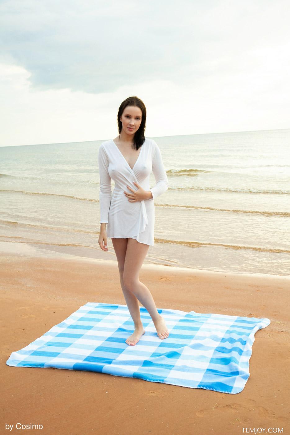agatha-beach-nymph-01.jpg