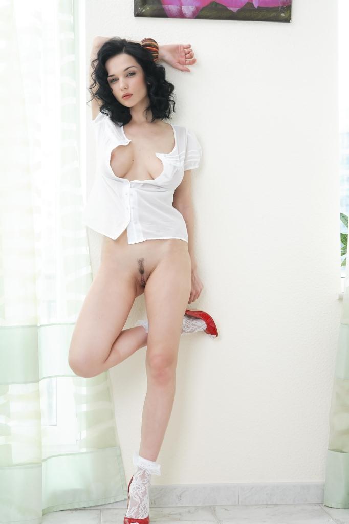 jenya-d-exotic-shoe-eugenia-diordiychuk-eroticbeauty-01.jpg