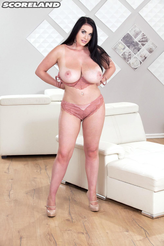 tina-lee-big-tanlined-boobs-09.jpg