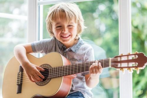 gitarre_kind.jpg