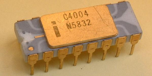 intel-4004-gold-pins.jpg
