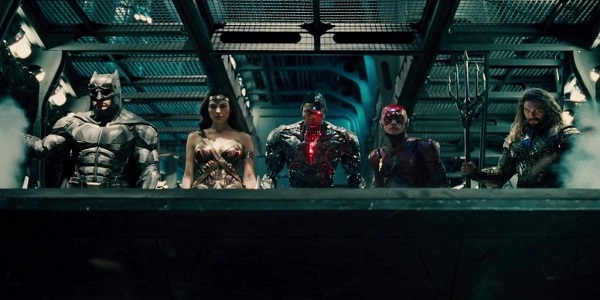 justice-league-team-on-plane-1024x576.jpg