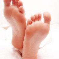 kézzel-lábbal