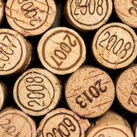 Fontos a bor évjárata?
