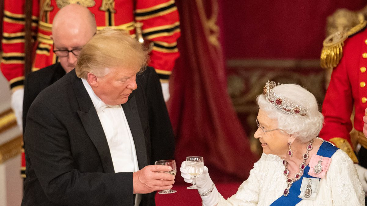 trump_and_queen_state_dinner.jpg