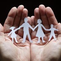 Hogyan tudhatja digitálisan is biztonságban családját?