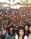 Több mint ezer ember egyetlen gigantikus selfie-n