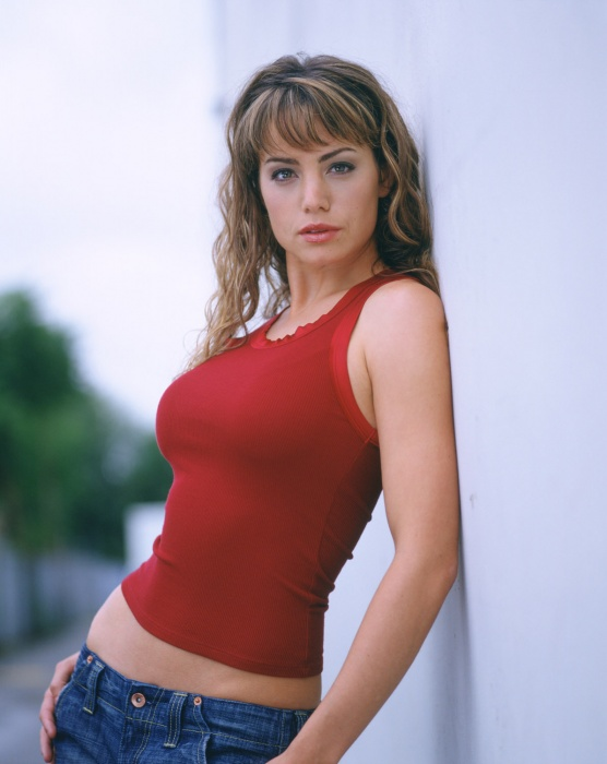 Smallville-Season-4-Erica-Durance-35.jpg