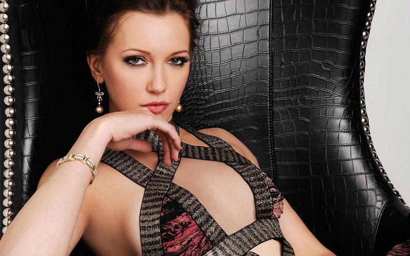 Katie-Cassidy-Regard-Magazine-Photoshoot-014.jpg