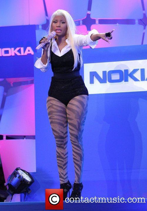 nicki-minaj-the-nokia-lumia-900-launches_3816448.jpg
