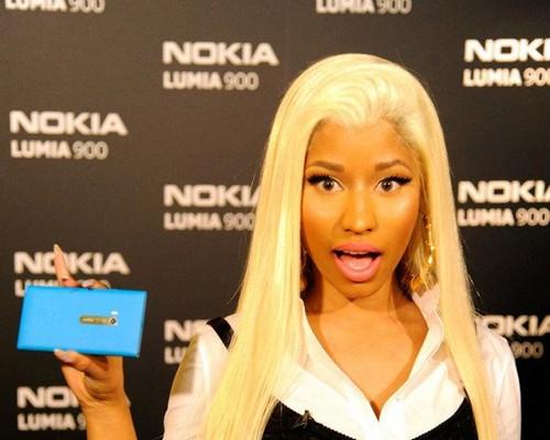 vibevixen-Nokia-Nicki-Minaj-500x400.jpg