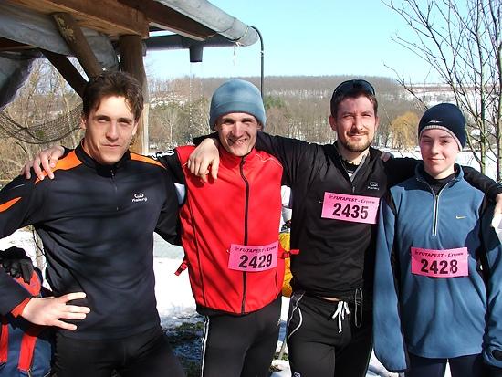 Crossfutás csapatkép - WITCH TRIATLON BLOGJA 747415dd5e