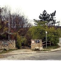 Két rövid útvonal a Pál-völgyi-barlangtól