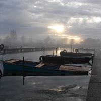 Ködben a Velencei-tó