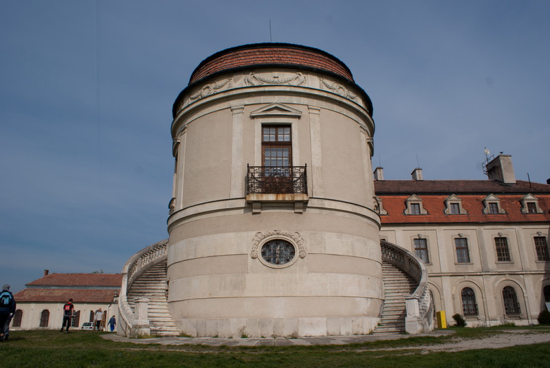 Az iszkaszentgyörgyi kastély egyik része
