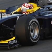 Villa újra GP2-es kocsiban